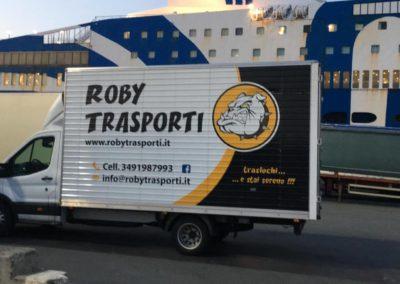 2021-04-Staff-di-Roby-Trasporti-Svolge-Trasloco-in-Italia