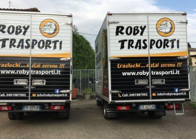 2021-04-Staff-di-Roby-Trasporti-Svolge-Trasloco-per-Privati-e-Aziende-a-Como-e-Provincia-Mezzi-di-Trasporto