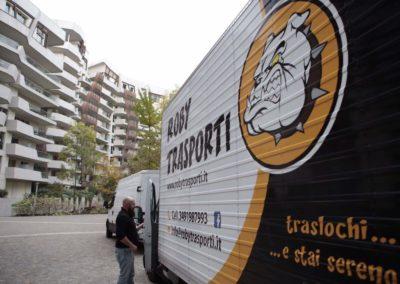2021-04-Roby-Trasporti-Effettuare-Traslochi-in-Appartamenti-Regione-Lombardia