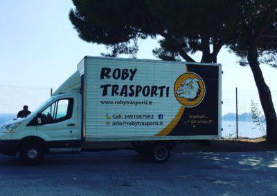 2021-04-Roby-Trasporti-Mezzo-per-Trasloco-Condominio-Trasloco-Appartamento-Provincia-di-Como